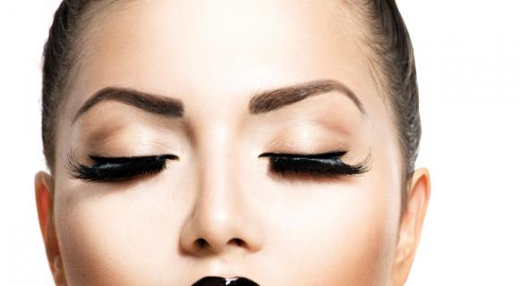 Eyelash growth. Secret of spectacularly long eyelashes